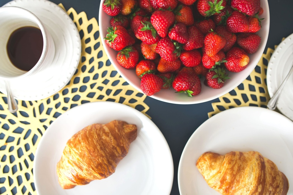 croissant, coffee, bowl, strawberry, breakfast, food, food, meal