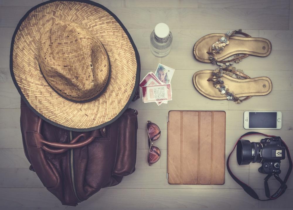 summer, hat, sombrero, sandals, handbag, photo camera, sunglasses
