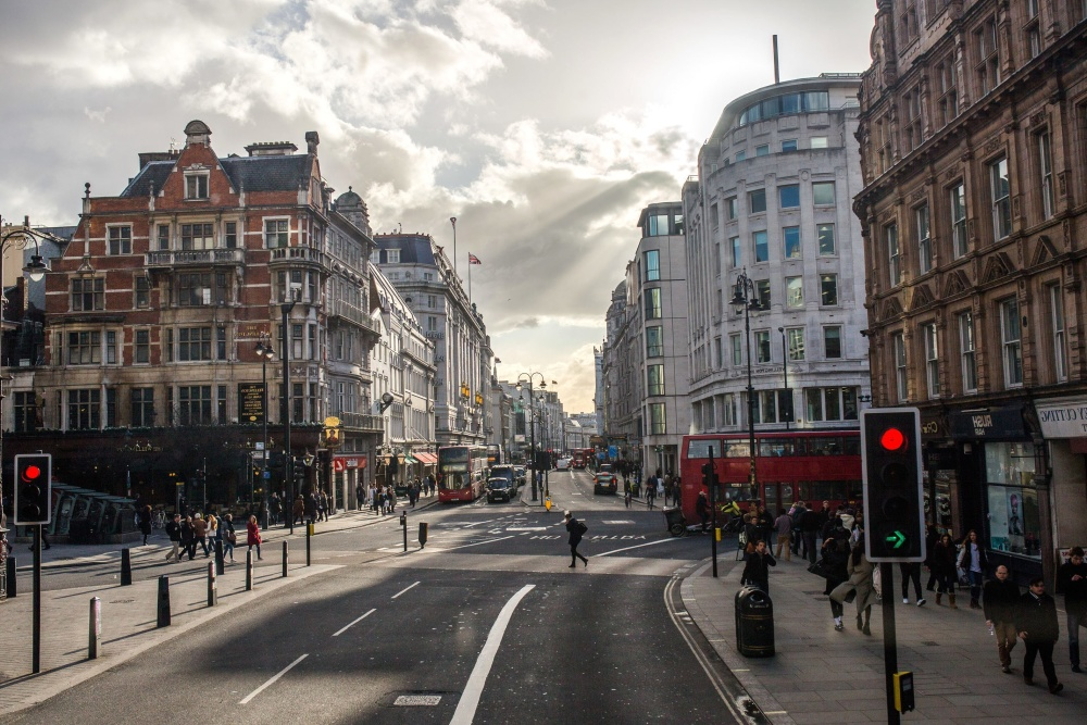 grad, semafora, ulici, autobus, centar grada, ljudi, gužva, arhitektura