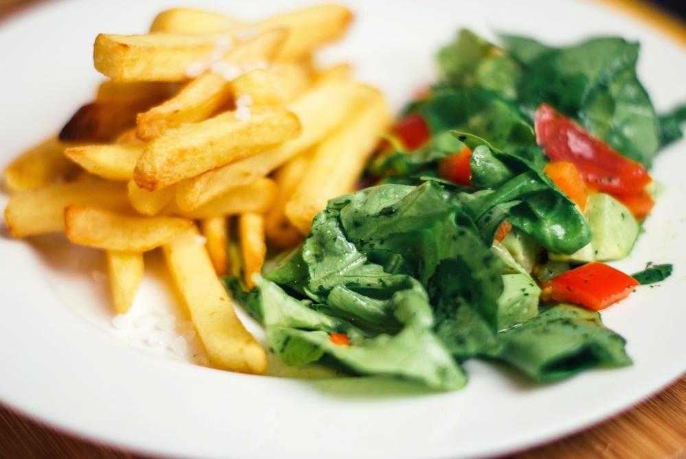 french fries, salad, diet, food, vegetable, meal, lettuce, appetizer, vegetarian
