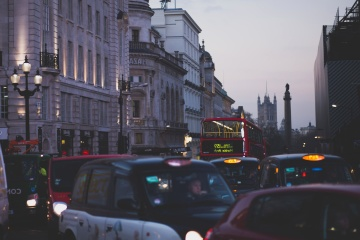 Ville, embouteillage, soirée, voiture, taxi, véhicule, centre-ville