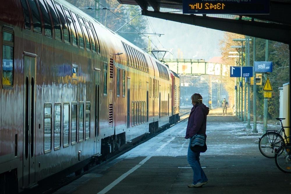 trem estação, trem, passageiro