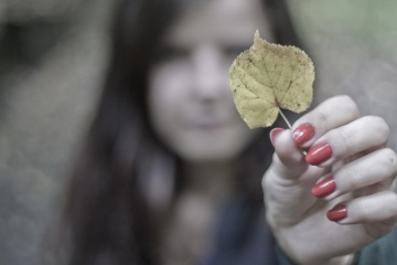 pretty girl, hand, finger, leaf, child