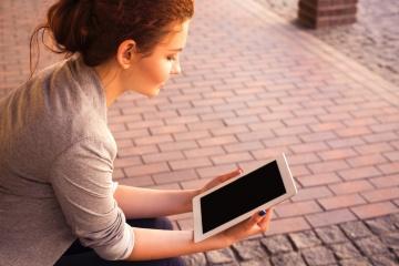 Computer portatile, donna, internet, bella ragazza, tecnologia