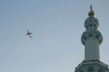 vliegtuigen, daglicht, architectuur, toren, religie, hemel, vliegtuig, vlucht