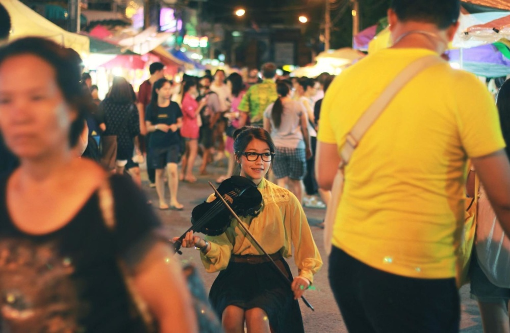 Вулиця, чоловік, жінка, місто, натовпу, музики, жінка, людей, фестиваль