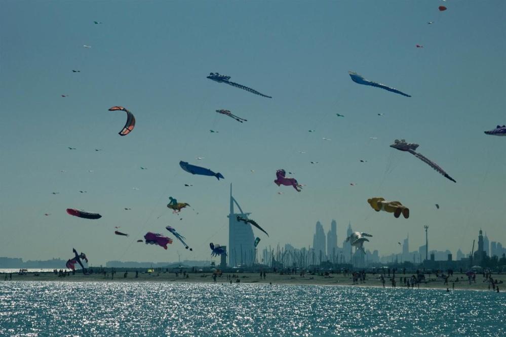 カイト、レクリエーション、夕暮れ、水、鳥、風景、海、海、空