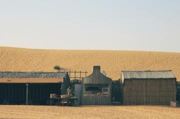 Deserto, duna di sabbia, sabbia, casa, paesaggio, luce scintillante