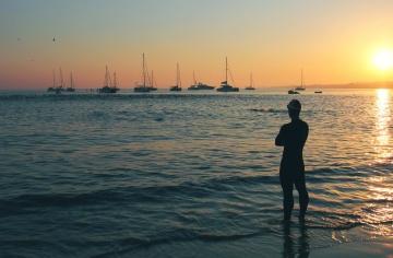σιλουέτα, ηλιοβασίλεμα, νερό, θάλασσα, αυγή, ήλιος, ωκεανός, παραλία, ακτή, ουρανός, καλοκαίρι