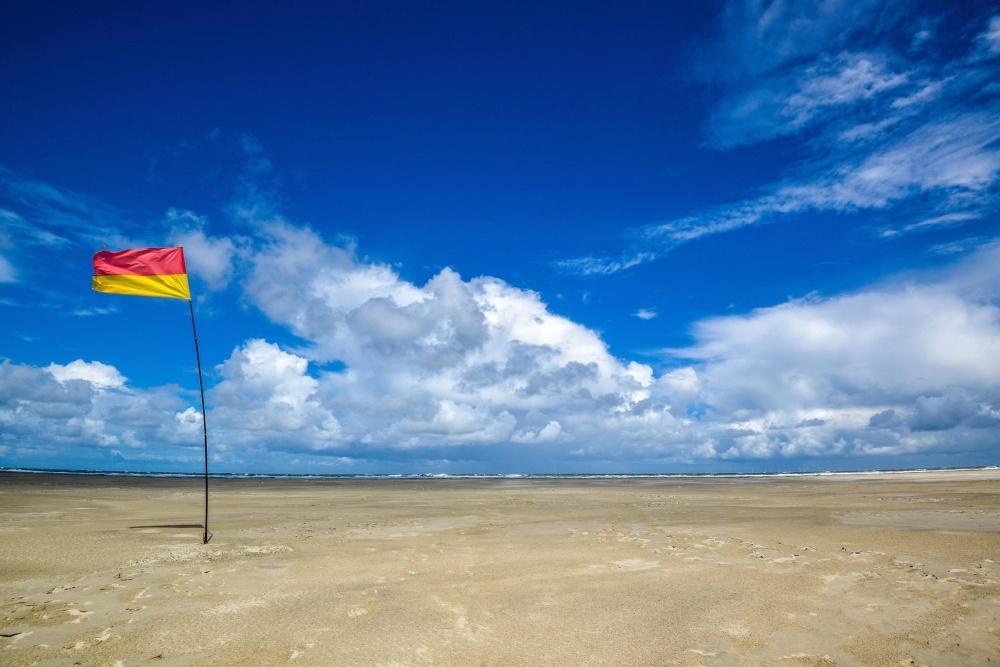 Пляж піску небо, води, літо, сонце, море, берег моря, краєвид