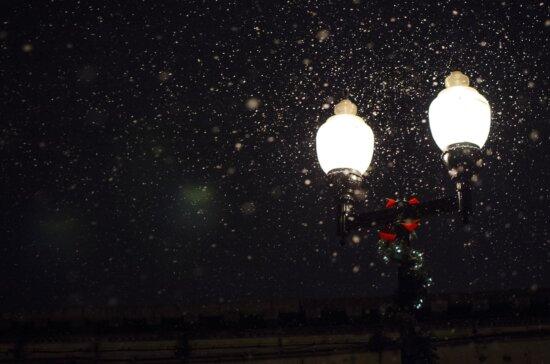 Lampe, Nacht, Schnee, Schneeflocke