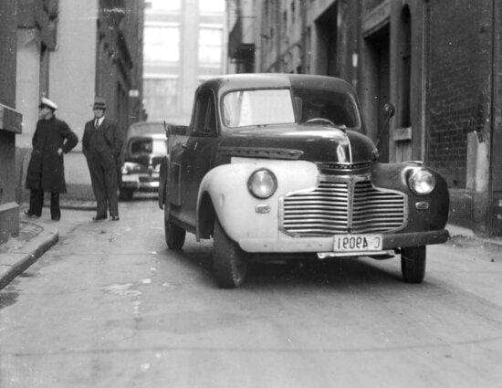 vehicle, history, oldtimer, asphalt, town, car, street, people, truck