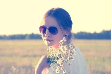 natureza, menina bonita, camomila, rosto, verão, retrato, campo