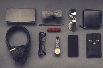 armbåndsur, briller, hovedtelefoner, mobiltelefon, solbriller, udstyr, tegnebog