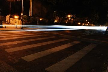 Vitesse, route, rue, lumière, contrôle de la circulation, nuit, ville, asphalte