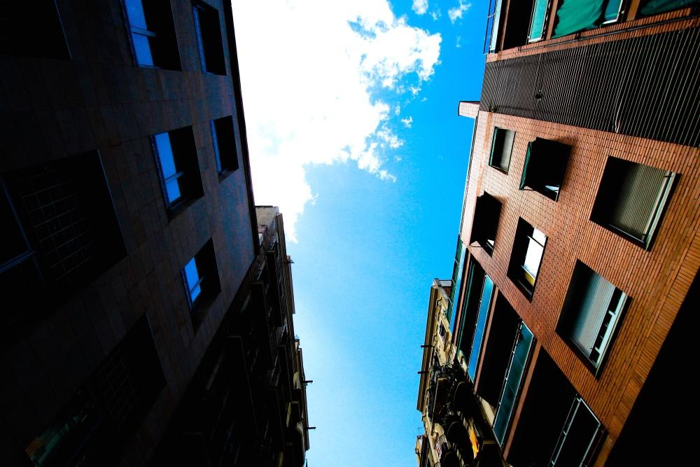 Ciudad, arquitectura, ventana, sombra, oscuro, fachada, ventana, cielo azul