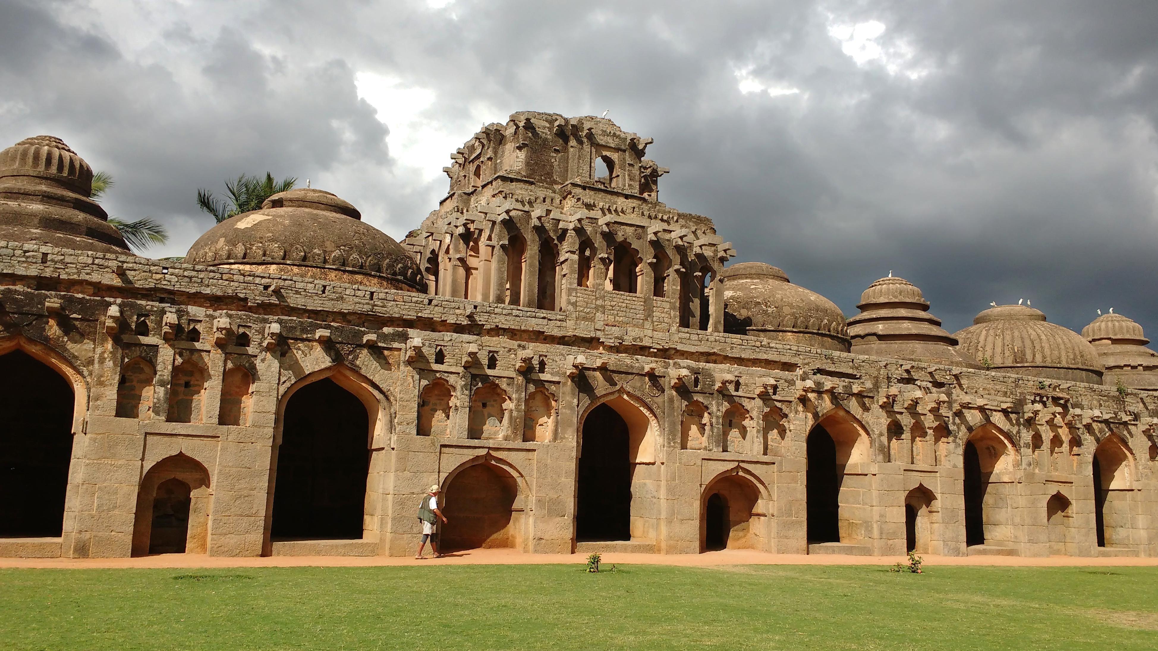 Kostenlose Bild: Architektur, alt, alt, Tempel, außen, Rasen ...