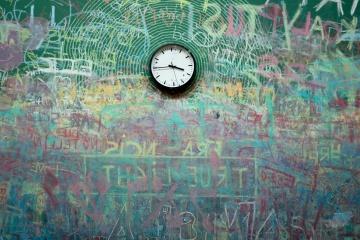 Reloj, pared, graffiti, tiempo, objeto, arte, colorido, interior