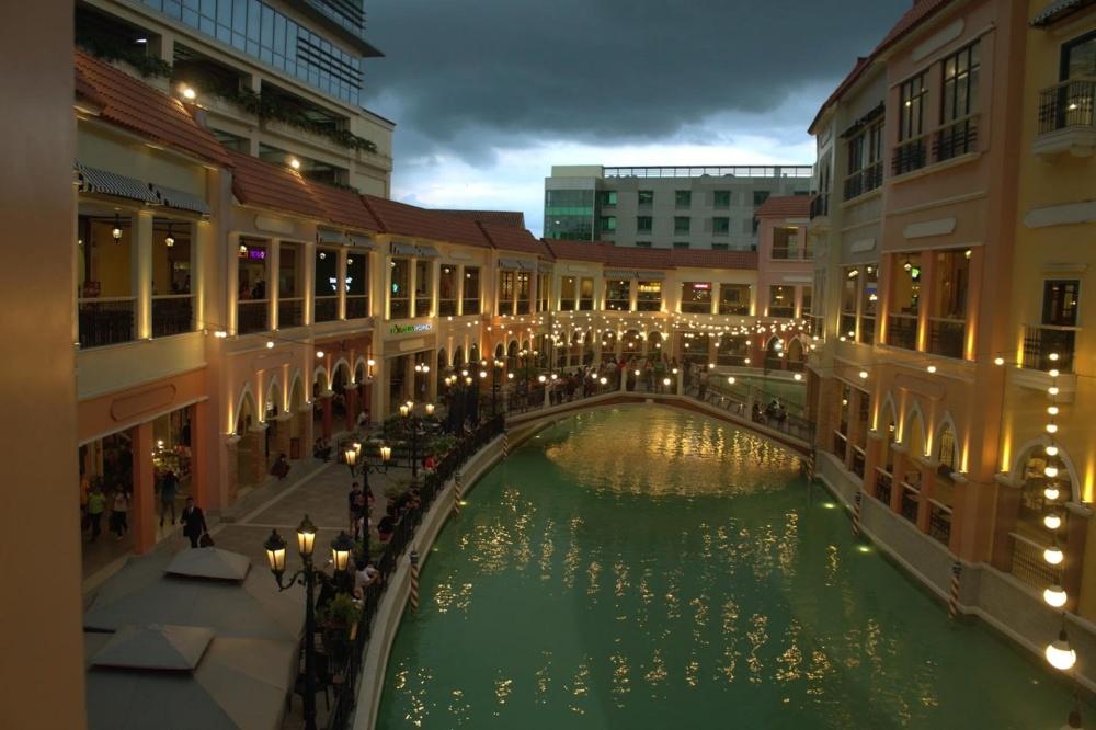 建築、高級、ホテル、都市、夕暮れ、外観、道路、運河