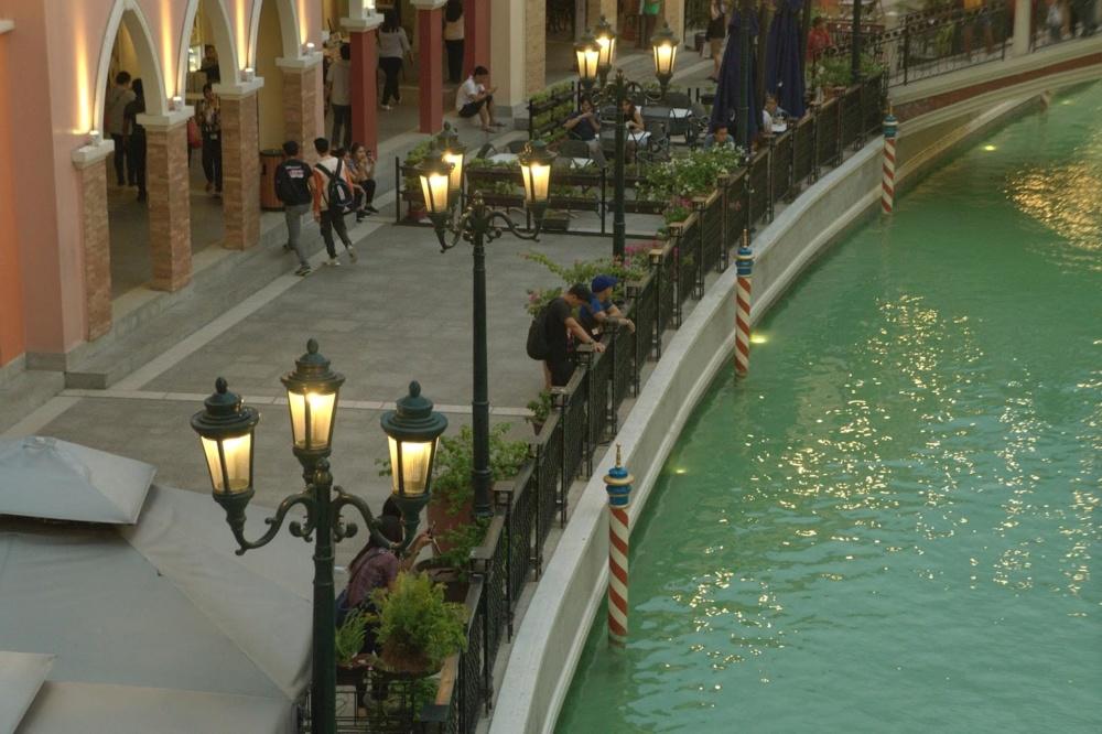 νερό, αρχιτεκτονική, κανάλι, εξωτερικό, πολυτέλεια, ορόσημο, λάμπα του δρόμου