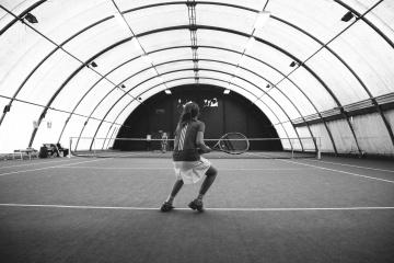 Gente, deporte, tenis, atleta, competencia, raqueta, monocromo