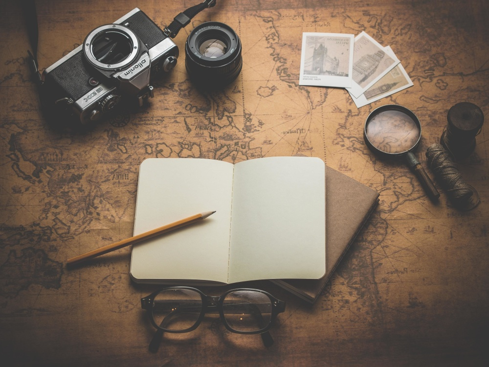 photo camera, zoom, eyeglasses, picture, paper, pencil, desk, retro, old