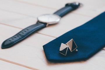 Mancuernas, corbata, reloj de pulsera, lujo, moda