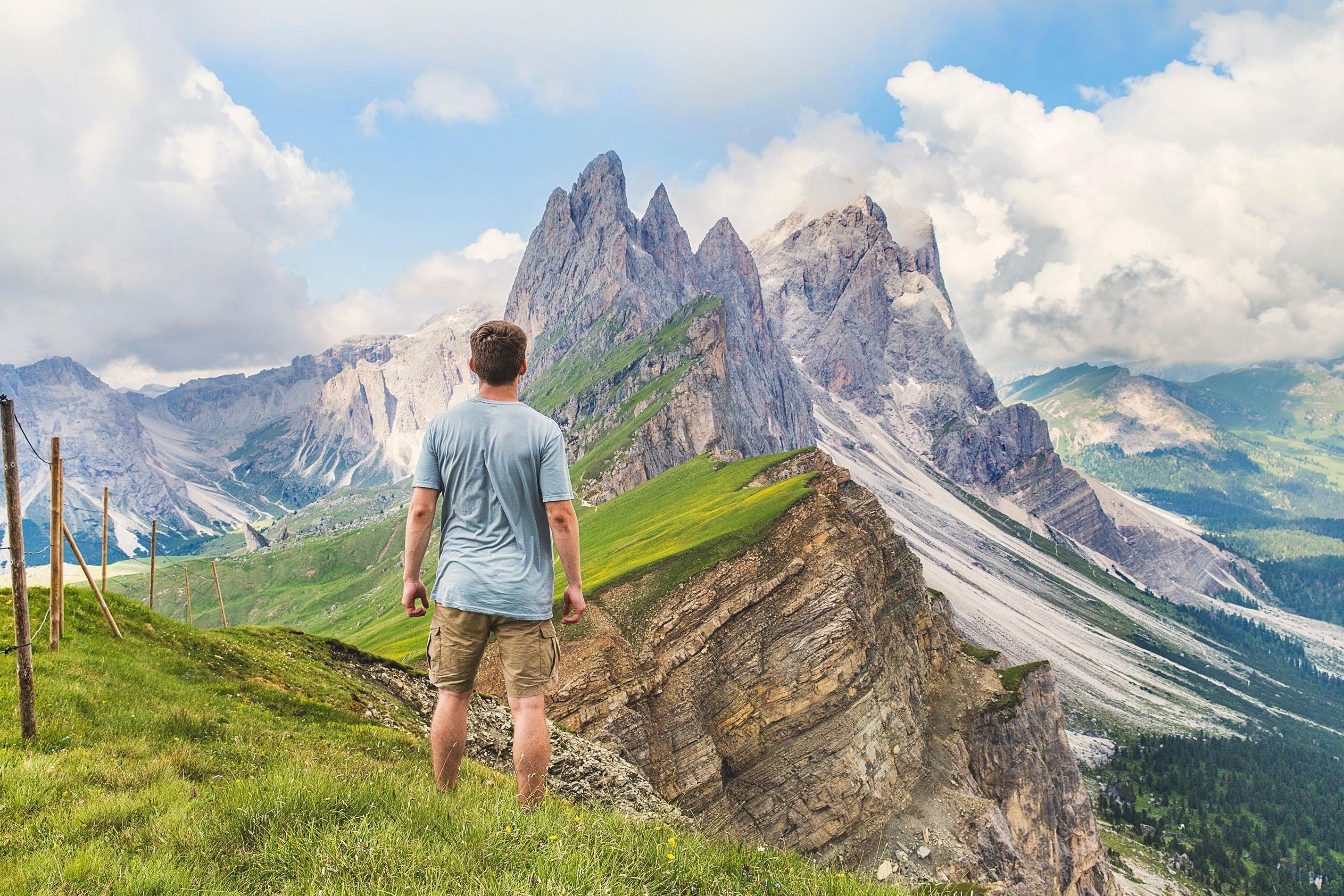 красивые фото людей в горах картон