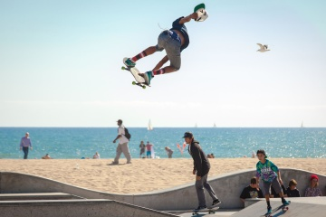 jump, extreme sport, skateboard, lifestyle, sea, beach, action, people, man, sand