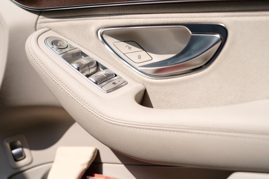 auto, vozidla, moderné, technológie, interiér, luxusné, chrome, zariadenia, kožené, classic