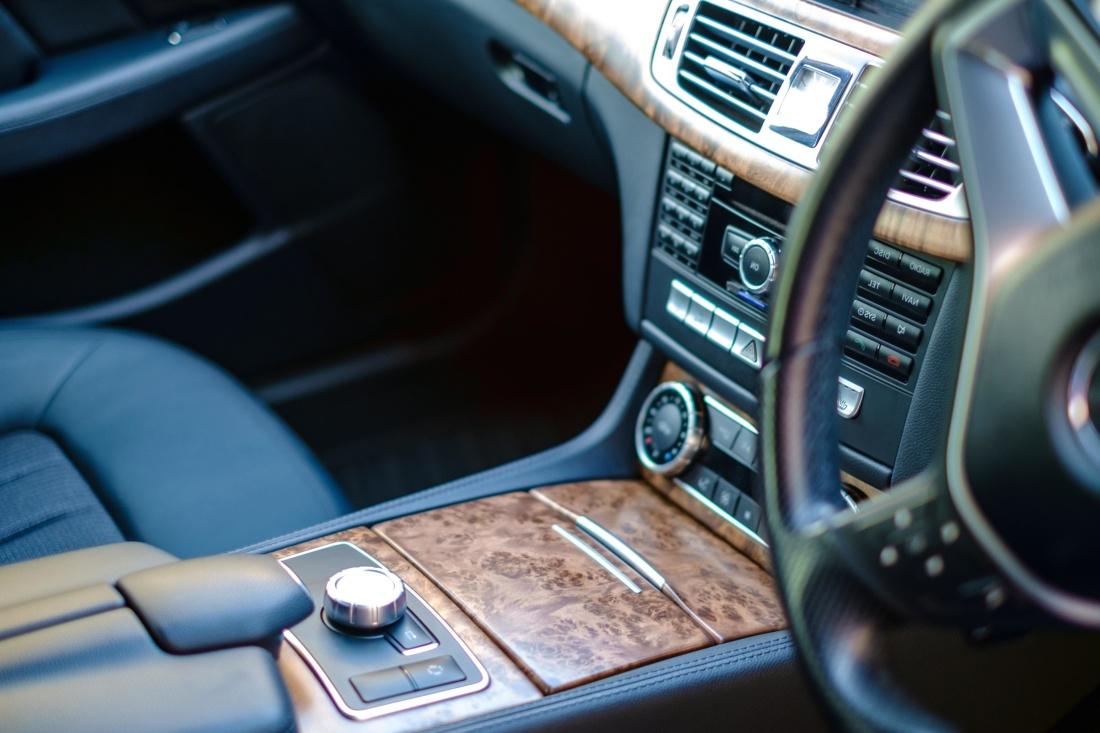 Image libre tableau de bord v hicule technologie for Interieur voiture de luxe