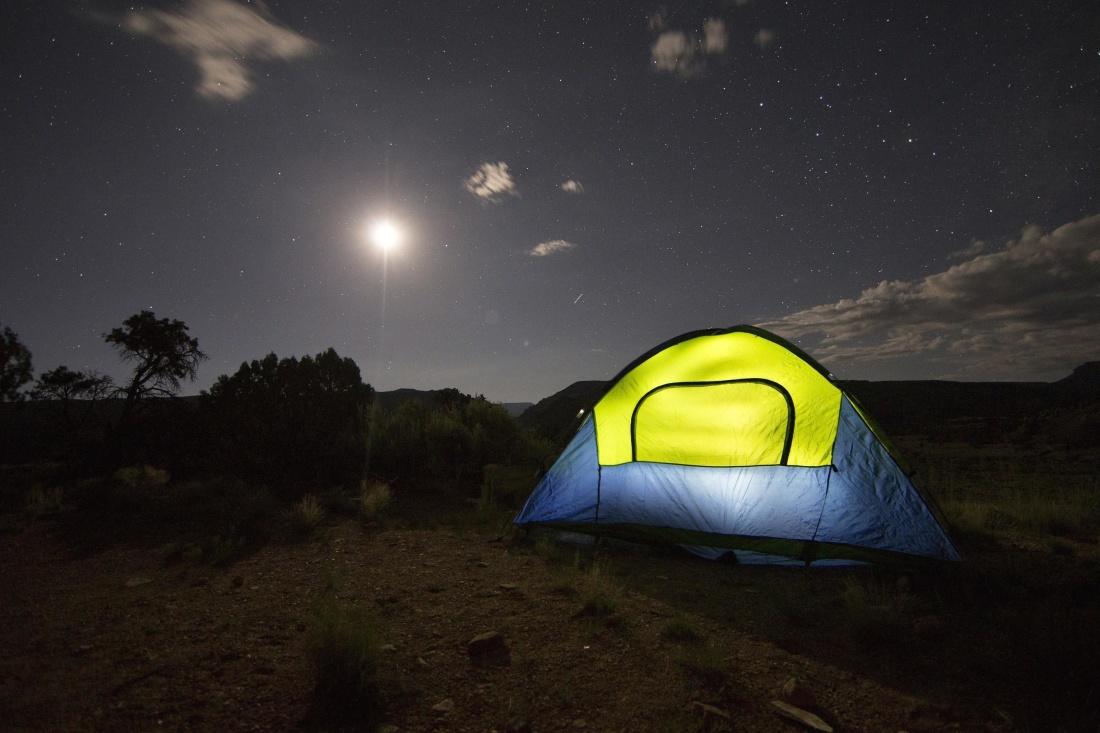 paesaggio scuro, tenda, riparo, struttura, luce, notte