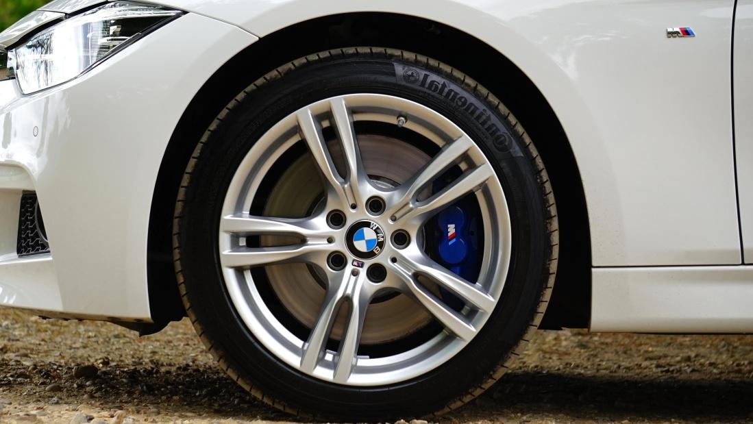 car, wheel, tire, vehicle, automotive, rim, chrome, machine