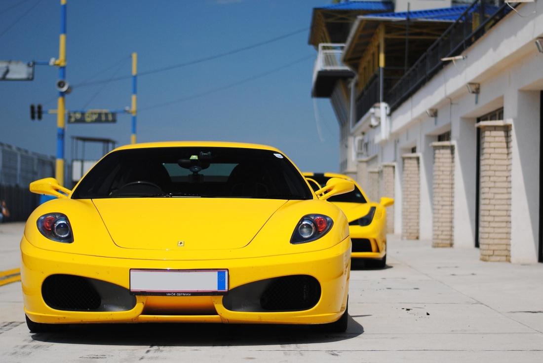 汽车, 汽车, 黄色, 街道, 路面, 道路, 车轮, 沥青, 驱动, 城市, 城市, 汽车