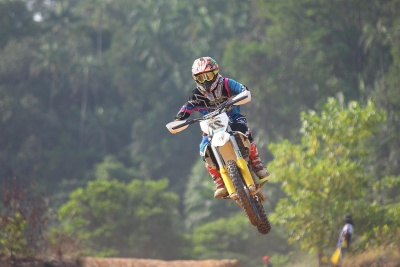 competition, adventure, vehicle, action, race, trail, fast, people, helmet, sport