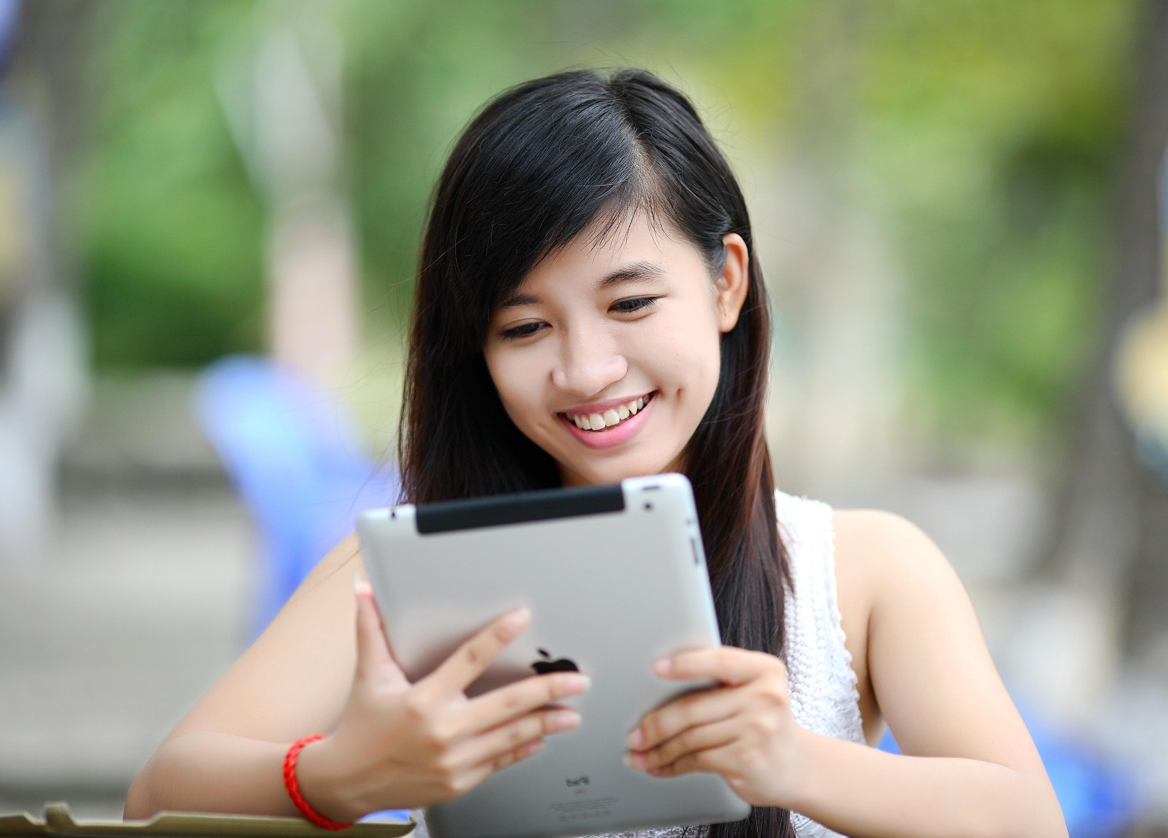 Besplatnih slika djevojka s koledža