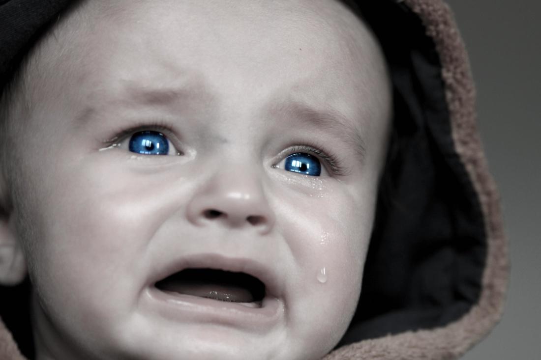 Image libre enfant b b portrait fils mignon for Orientation lit bebe