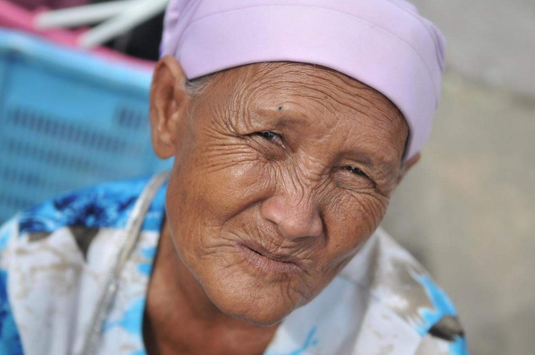 people, elderly, woman, portrait, senior, grandmother, elderly, mature