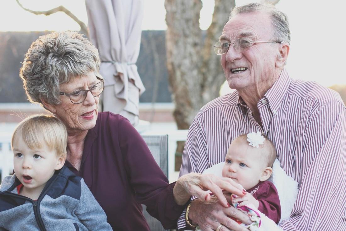 nonno, nonna, bambino, donna, persone