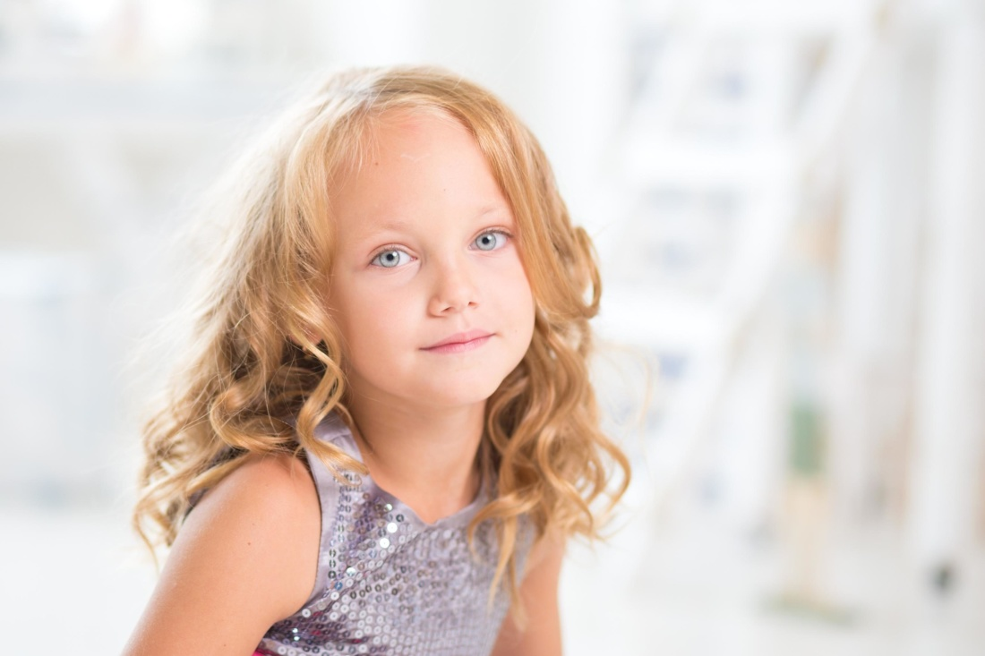 Free Picture Pretty Girl Child Indoors Face Portrait