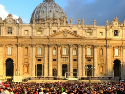 architecture, religion, church, city, cathedral, dome, exterior, crowd, landmark