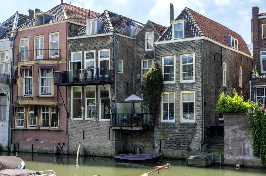 architecture, house, home, cannal, facade, window, old, town, city, urban, exterior
