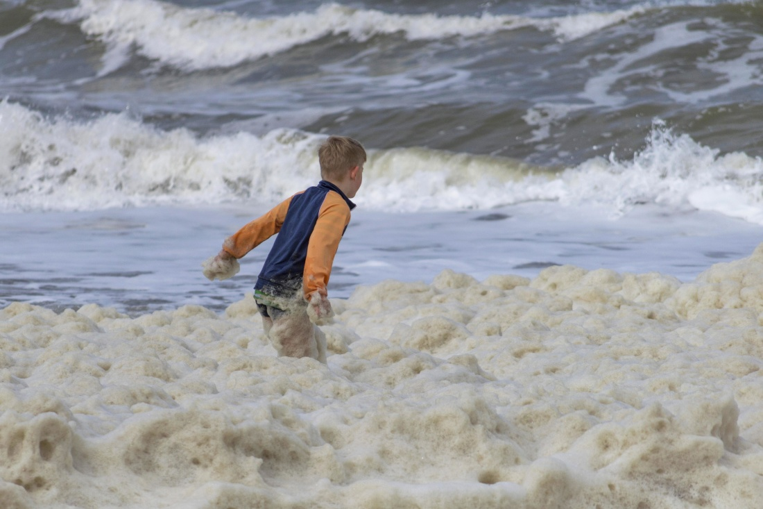 child, boy, summer, water, beach, sea, seashore, ocean, sand, coast