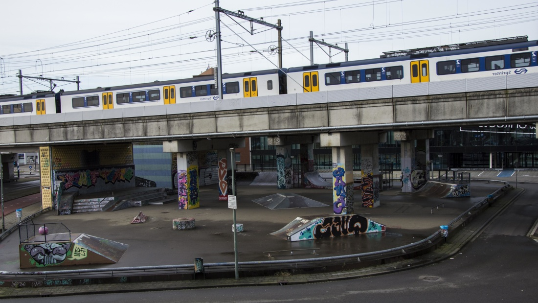 vehicle, road, architecture, city, railway, train, bridge, traffic