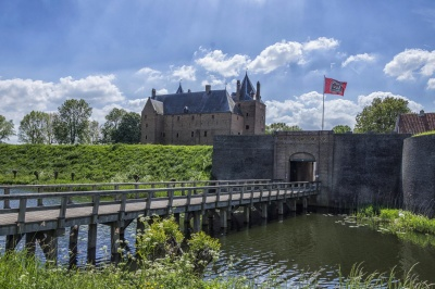 architecture, castle, palace, fortification, bridge, entrance, water