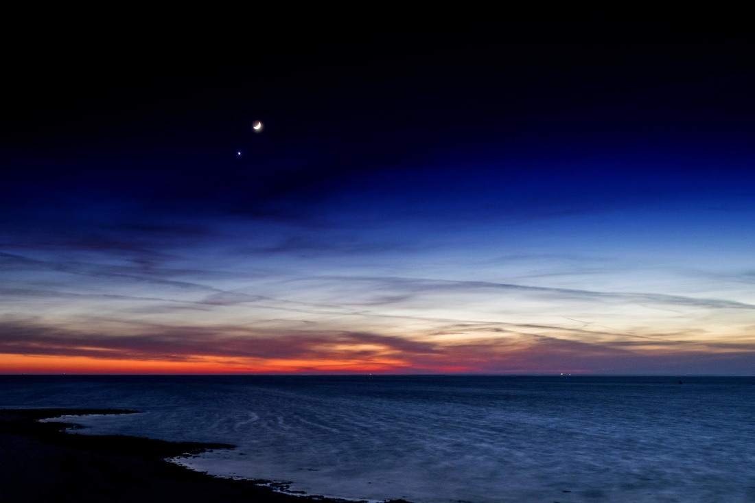 sunset, dusk, moon, water, sky, dawn, sun, sunrise, ocean, beach