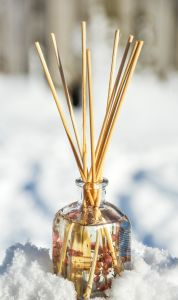 liquid, detail, glass, jar, snow, perfume, wood