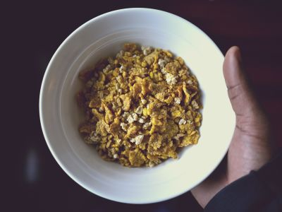 food, muesli, dry, hand, nutrition, dry, meal, delicious, sweet, cereal, diet