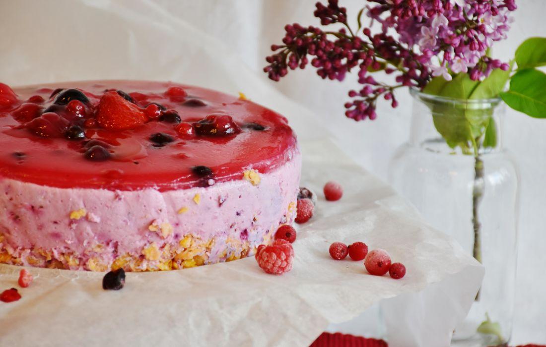 zoete cake, crème, suiker, bessen, vruchten, lekker, eten, chocolade