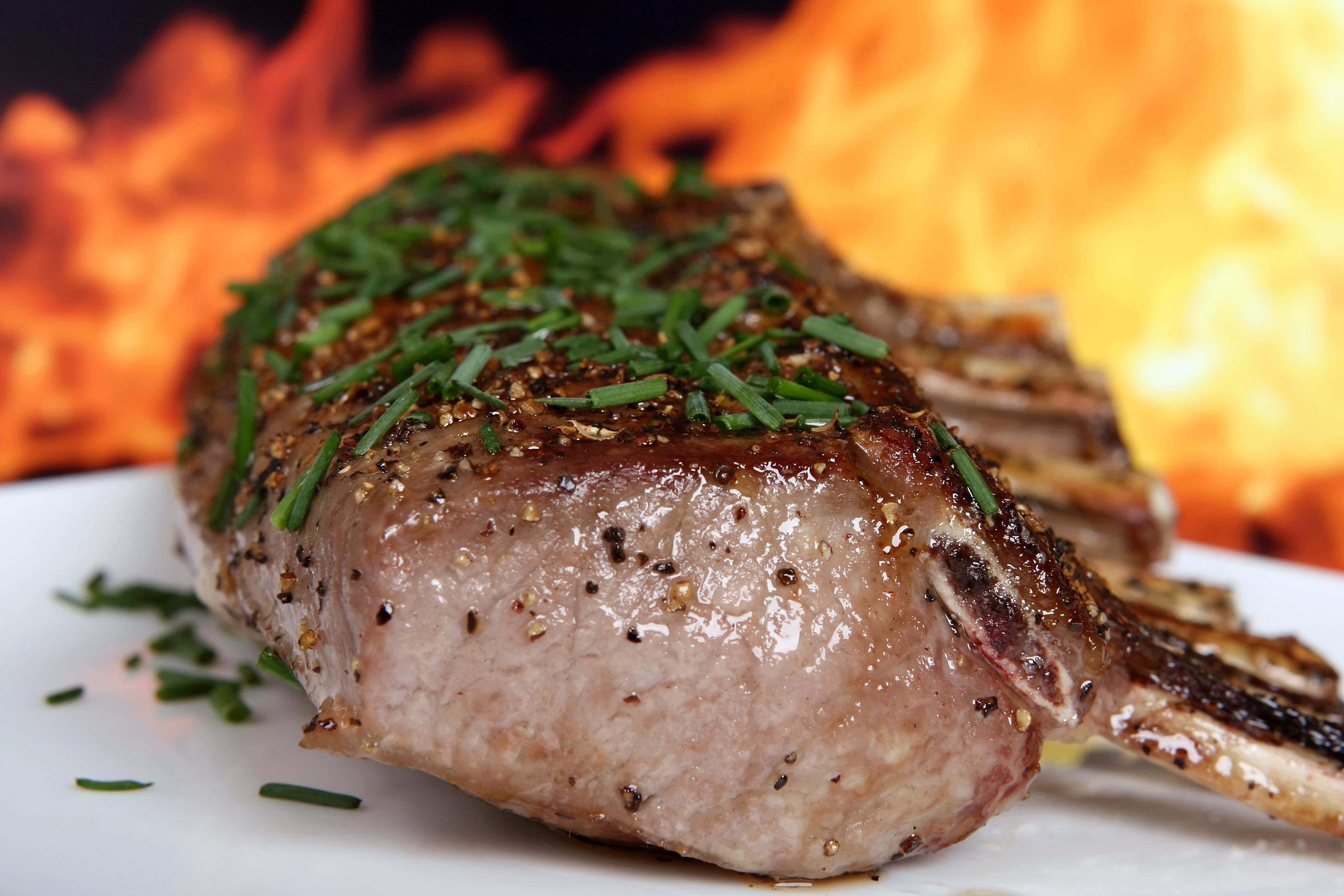 kostenlose bild essen abendessen fleisch mittagessen essen rindfleisch teller steak. Black Bedroom Furniture Sets. Home Design Ideas